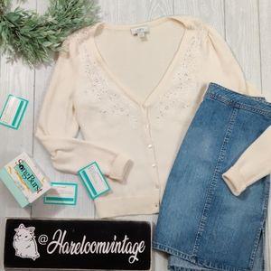 Ann Taylor Loft creme Vint vibe cardigan sweater